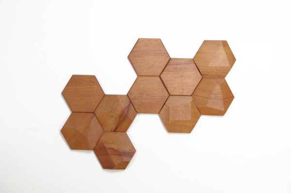 Bee-Apis-Wood-Tiles-Monoculo-Design-2-600x398